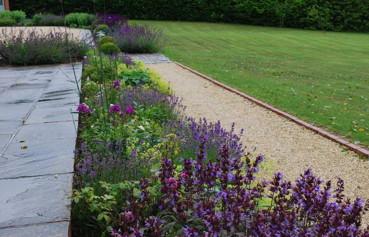 Diana milner garden design hamsphire garden for Easy to maintain garden