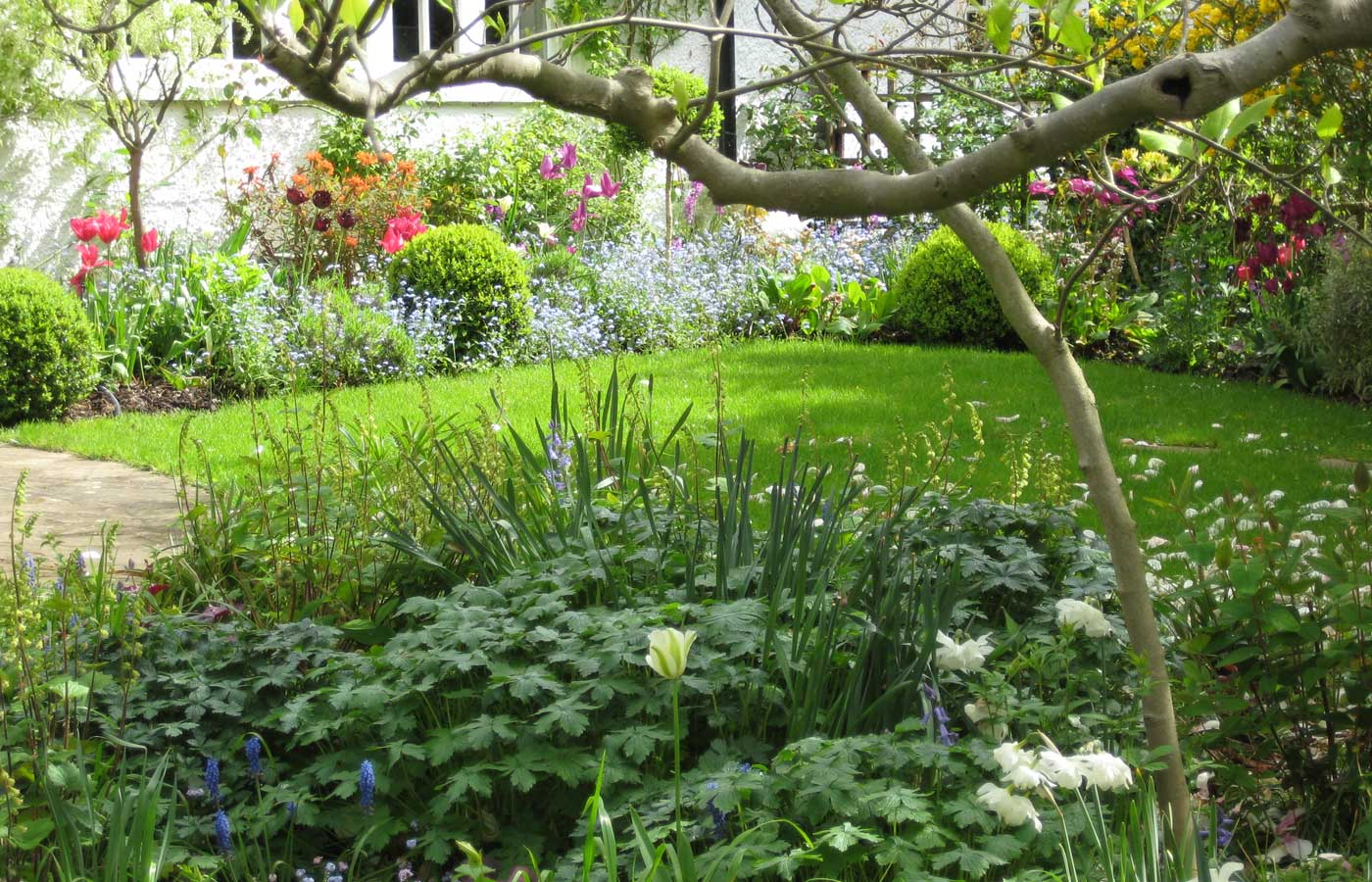 Diana milner garden design beautiful garden designs for Beautiful garden ideas pictures