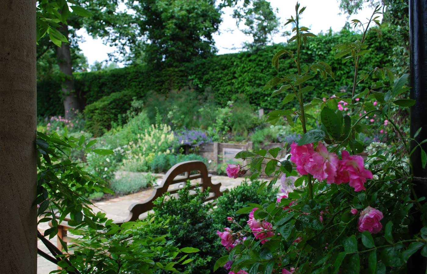 Diana milner garden design beautiful garden designs for Beautiful garden layouts