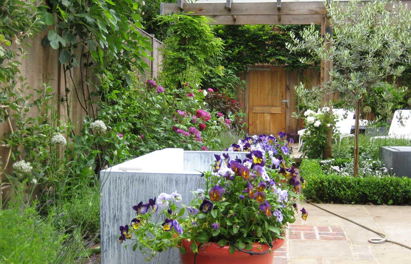 ... Lead Trough And Pot Plants In A Kew Garden ...