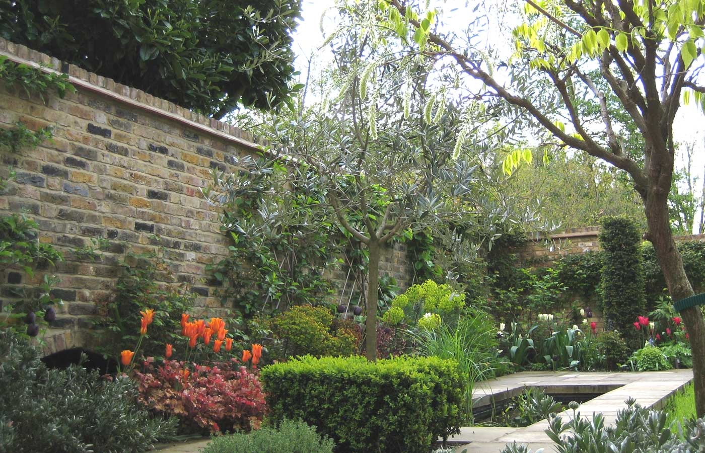 Diana milner garden design beautiful garden designs for Landscape gardeners